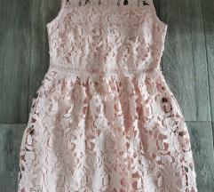 Reserved pastelno roza cipkana haljina