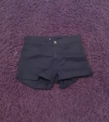 Tamno plave kratke hlače