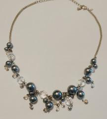 Ogrlica s biserima i kristalima