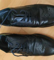 Ženske cipele b. 39