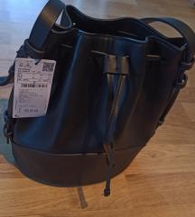 Nova Mango torba s etiketom