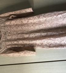 Čipkasta puder roza haljina s podstavom
