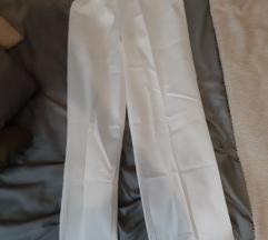 URIHO uniforma; donji dio bijele hlače