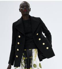 Zara debeli crni kaput na dvoredno kopčanje