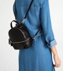 ZARA mini crni ruksak 🎀