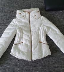 Zara snježno bijela jakna