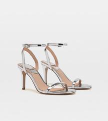 Stradivarius srebrne sandale na petu %% 100 kn