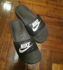 Nike benassi  23 cm