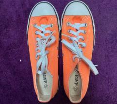 Narančaste starke