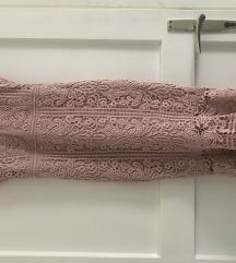 Roza čipkasta haljina