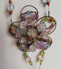 Cvijetna ogrlica