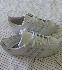 Adidas superstar 36 2/3 nove sa etiketom