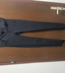 HM crne uske hlače