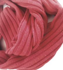 Bordo crveni pleteni topli šal