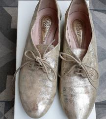 Zlatne cipelice