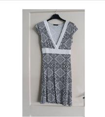 Kratka bijelo crna haljina veličina S