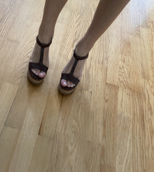 Zara sandale puna peta