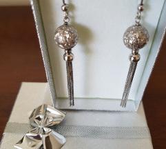 Nove srebrne nausnice sa kuglom