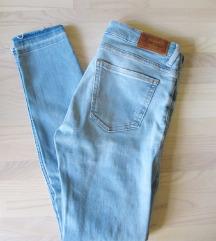 ZARA skinny traper hlače vel. 36 (34)