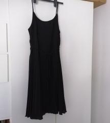 H&M nenošena plisirana haljina
