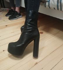 Crne kožne čizme 39