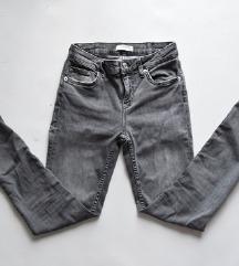 Zara traperice 34