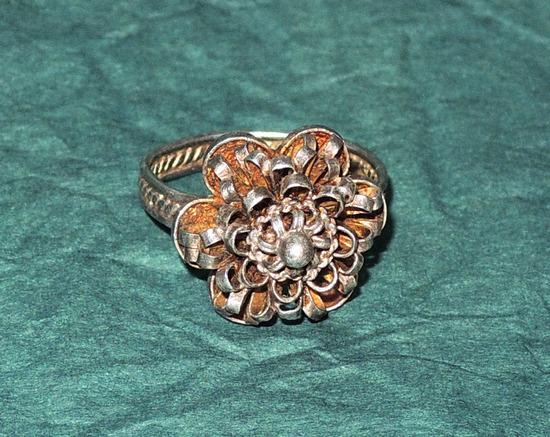 Srebrni filigranski prsten