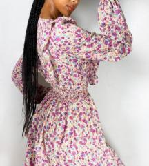 Pretty Little Thing cvjetna haljina