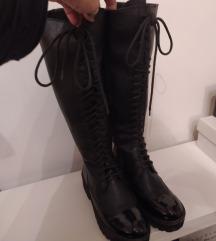 visoke cizme na vezanje