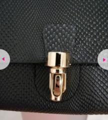 Mala crna torbica (dva načina nošenja)