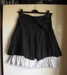 Suknja sa efektnom podstavom