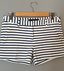Kratke hlače na pruge