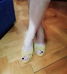 Sandale na petu 37