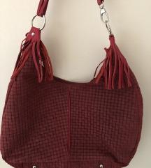 Crvena kožna torba