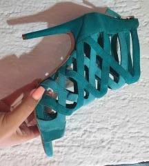 Bershka sandale *Rezzzz*