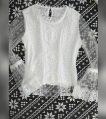 Bijela cipkasta bluzica