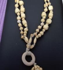 Ogrlica od drvenih perlica