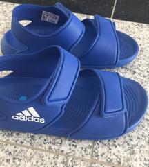 Nove Adidas sandale
