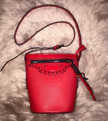 Crvena bucket bag torbica