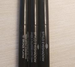 Sjenilo olovka Chanel