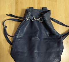 Tamnoplavi ruksak