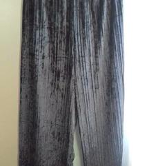 Crne plis hlace - kao nove!! L/XL
