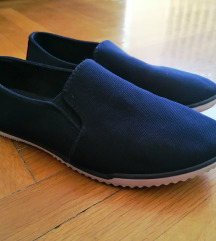 Tamnoplave cipele