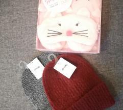 Lot: kape, papuče i maska za spavanje