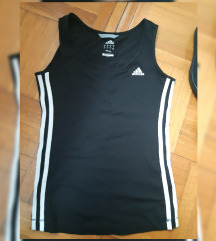 Sportski lot, Adidas majica i tenisice