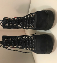 Tommy hilfiger boots 41