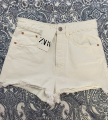 Zara nove kratke hlače s etiketom