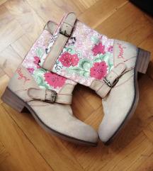 Nove proljetne čizme