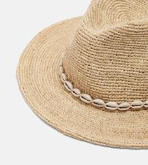 Novi sold out Zara šešir