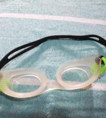 Lot sitničica s dvije maske za ronjenje